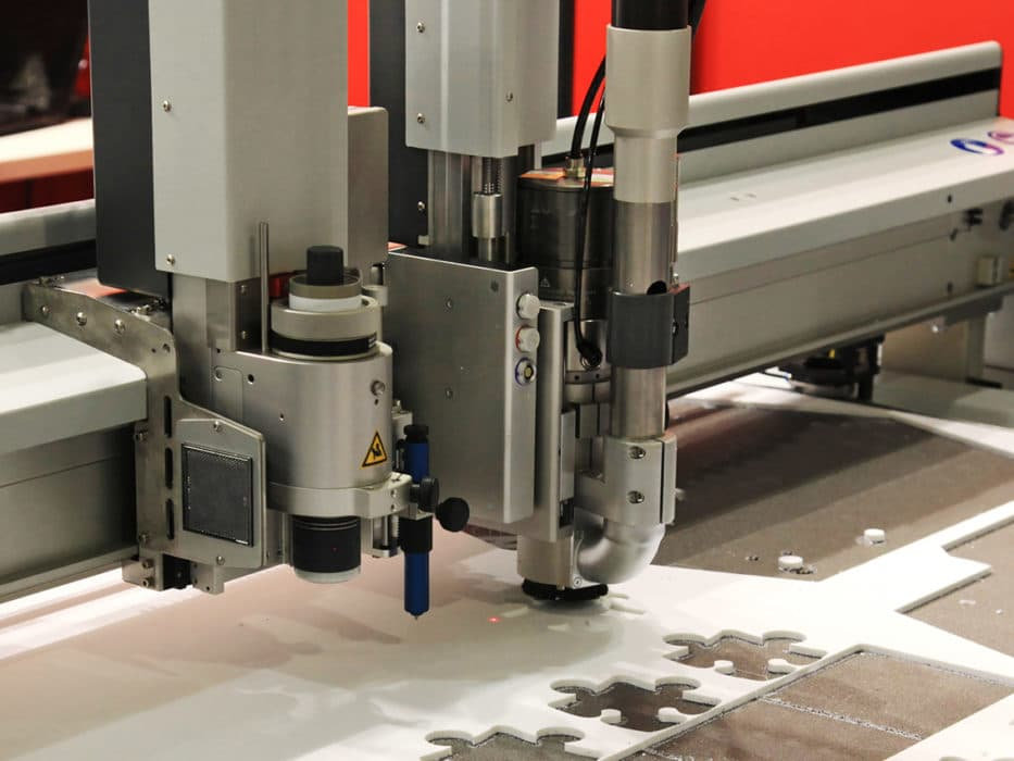 cutting and milling of printed advertising